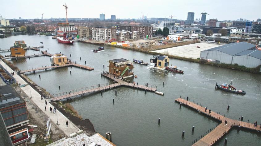 Un cartier construit pe apă, într-un cunoscut oraș din Europa