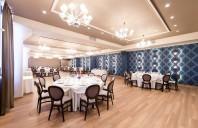 Saloanele Sky Grand Ballroom, mobilate cu piese Chairry