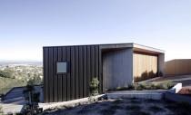 O casa reconstruita pentru a rezista intr-o zona seismica
