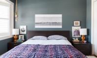 Creează o amenajare diferită așezând ce trebuie pe noptieră! Pentru a-ti redecora dormitorul nu trebuie intotdeauna