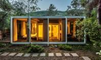 Inspirație pentru open space într-o casă deosebită din anii '60 Initial casa construita din sticla otel