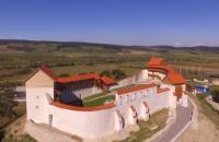 Refacută aproape de la zero, Cetatea Feldioara și-a deschis din nou porțile Primaria Feldioara informeaza ca cetatea va putea fi vizitata in prima faza de miercuri pana duminica, intre orele 10.00 si 18.00, urmand ca pe parcurs