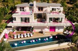 Casa de Vis a păpușii Barbie, în mărime naturală