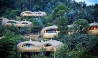 Ecoturism de înaltă clasă cu vile amplasate în copaci Complexul Bisate Lodge din Rwanda este un