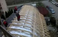 Realizarea termoizolatiei pe exteriorul sarpantei