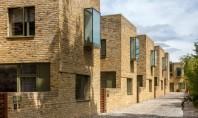Cutii de sticlă animează fațadele acestor case londoneze Proprietarul terenului un dezvoltator imobiliar local a cerut