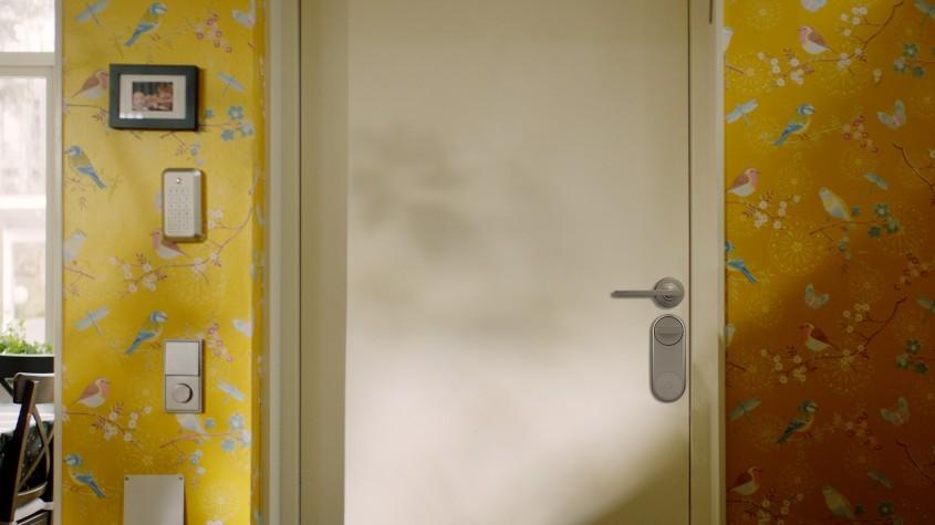 ASSA ABLOY:  Cum alegi un sistem inteligent pentru siguranța locuinței