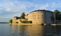 Cetatea Vaxholms Cetatea Vaxholms (Vaxholms Kastell) este situata pe o mica insula Primele cetati au fost