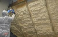 Cum se izolează corect mansarda cu spumă poliuretanică