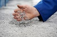 BASF este membru fondator al Alianței globale pentru eliminarea deșeurilor din plastic   Alianța pentru eliminarea deșeurilor din plastic (AEPW) a angajat peste 1 miliard de dolari, cu scopul de a investi 1,5 miliarde de dolari în următorii