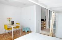 Cum pot doua persoane sa traiasca si sa lucreze intr-un apartament de doar 65mp