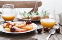 Un mic dejun cu o lumină de care nu te mai saturi
