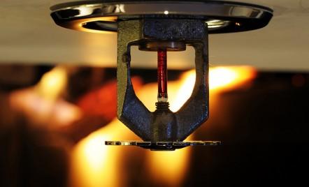 Protectia la incendiu - cu ce prevenim, detectam si stingem un incediu