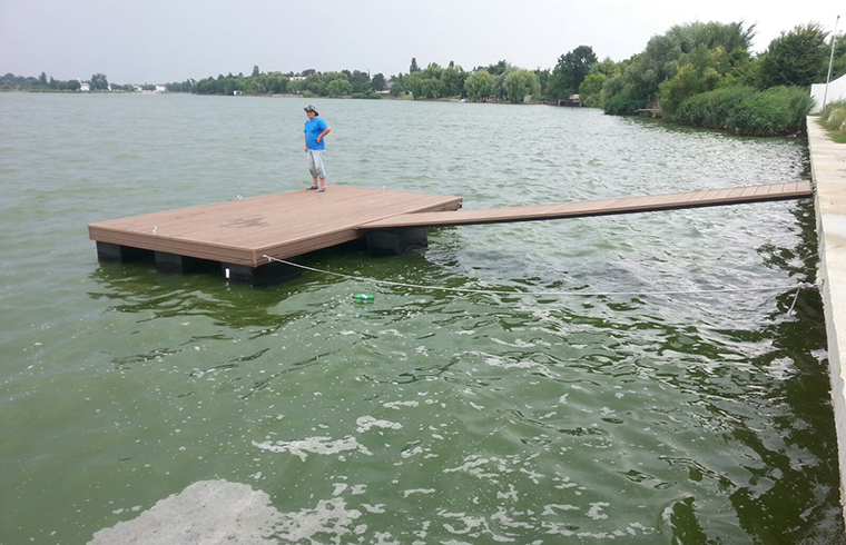 Pontoane plutitoare din lemn compozit romanesc Bencomp