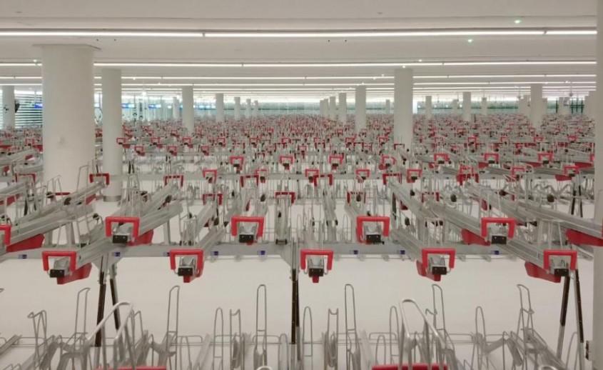 Una dintre cele mai mari parcări pentru biciclete oferă experienţa unei vizite la muzeu