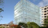 Clădire ventilată natural ce licărește în soare asemeni unui miraj Cladirea de birouri ventilata natural are