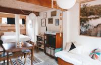 O locuinta minimala dar confortabila amenajata intr-un vechi garaj