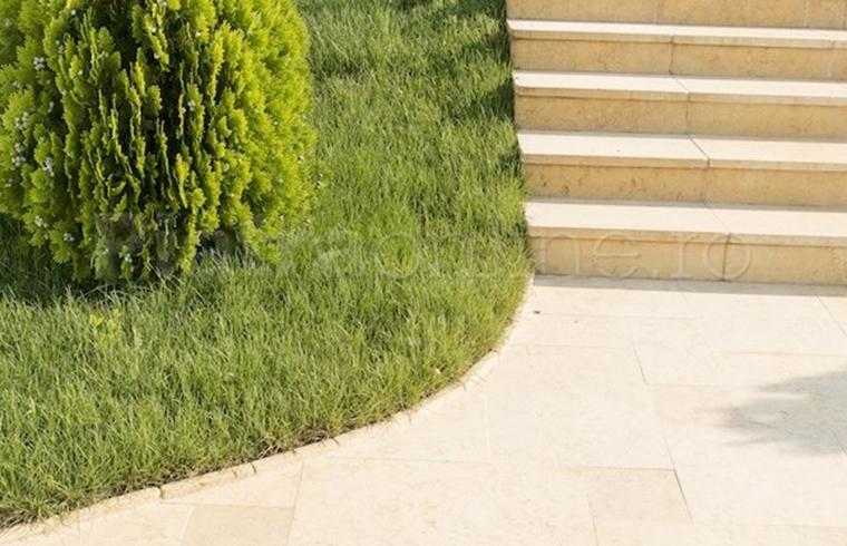 Amenajarea terasei: piatra naturala pentru pardoseala