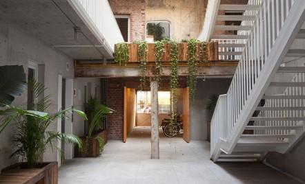 Cladire reconfigurata pentru a gazdui apartamente si birouri