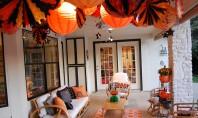 Halloween-ul pe terasa Sa intampinam sarbatoarea spiritelor decorandu-ne terasele cu dovleci si decoratiuni ce par desprinse