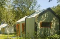 O zonă rezidențială pentru cei fără adăpost, alimentată în întregime cu energie solară
