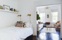 5 greșeli de depozitare pe care le poți face într-un apartament mic Tocmai pentru ca acest aspect este unul des intalnit, iata cateva greseli, care trebuie evitate pentru a nu cadea in capcana atunci cand incerci sa iti faci loc printre lucruri.