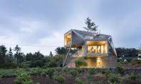 O casă gândită să capteze soarele și să privească spre natură Echipa de arhitecti Moon Hoon