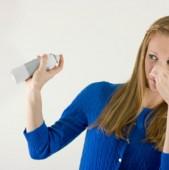 Părerea mea este că trebuie eliminate cauzele mirosurilor urâte Contează și aerisirea casei dar trebuie înlăturate
