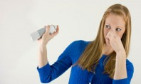 Cum elimini mirosurile din casă? Pe piață există o mulțime de produse care pretind că ne