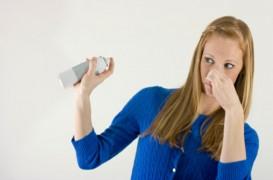 Cum elimini mirosurile din casă?
