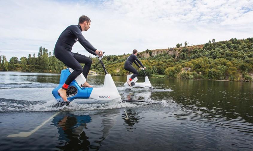 Noua bicicletă electrică de apă îți permite să mergi pe râu, lac și ocean