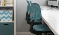 Scaune vopsite pentru birou De multe ori scaunele de birou se prezinta in culori neutre Pentru