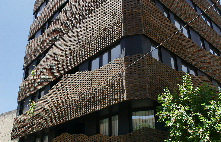"Habibeh Madjdabadi va tine o prezentare pe tema ""Building Skin in Iranian Architecture"" la RIFF Bucuresti"