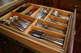 Organizatoare pentru sertarele din bucatarie!