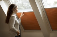 Te simți deprimat? Expunerea la lumina naturală îți poate îmbunătăți starea de spirit Lumina naturală reduce simptomele tulburării afective sezoniere Potrivit Centrului de Cercetare pentru Iluminat din SUA, aproximativ 5% din populația