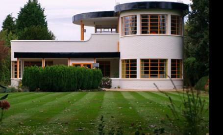 Case noi, dar stiluri vechi