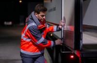 Sustenabilitate siguranță și viteză - cum le poți avea pe toate cu ușa potrivită pentru centrul