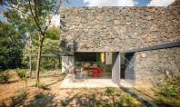 Casa Meztitla volum finisat cu roca vulcanica Biroul de proiectare EDAA din Mexic a conceput aceasta