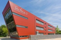 Inovație Equitone pentru o educație sustenabilă Materialele Equitone pentru fațade s-au dovedit să fie sustenabile zeci de ani în construcția clădirilor educaționale.