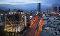 O clădire nouă din plăci metalice a fost proiectată în Mexico