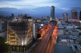 O clădire nouă din plăci metalice a fost proiectată în Mexico City