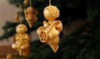 Decorațiuni de Crăciun din… paste! Da ati citit bine Va propunem sa lasati putin bucataria deoparte