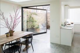 Parterul unei case modernizat pentru mai mult spațiu și lumină