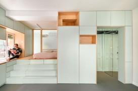 Un apartament mic, dar cu soluții ingenioase pentru depozitare
