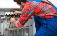 Cum putem conecta distribuitoarele de incalzire in pardoseala la centrala termica sau pompa de caldura?