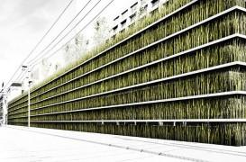 Concept pentru un spatiu de parcare inchis complet in vegetatie