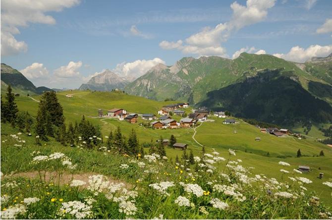 Un sat de munte devine punct de referință pentru ecologie