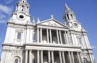 386 de ani de la nașterea marelui arhitect englez Christopher Wren Familia sa s-a mutat mai tarziu la Windsor, iar Wren a fost inscris la scoala de la Westminster. A studiat mai apoi fizica si ingineria la Universitatea Oxford,