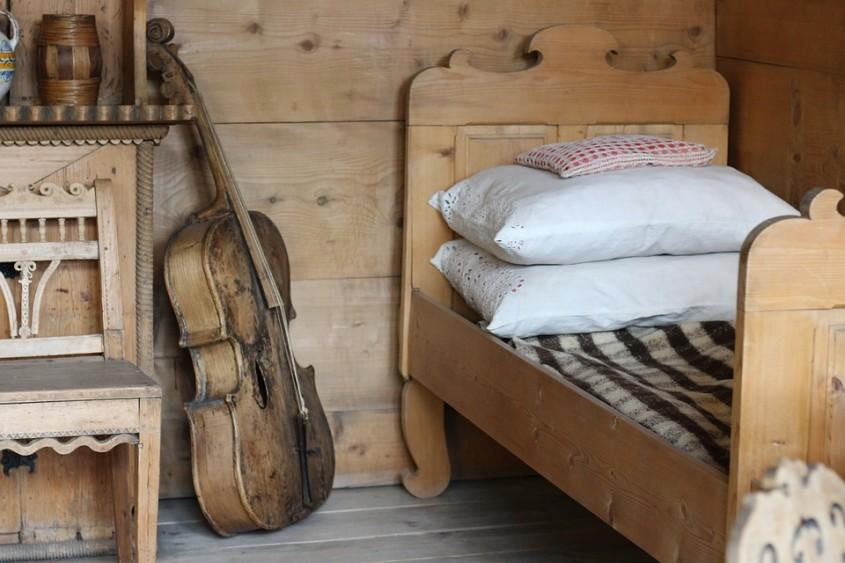 Proiect DIY - Cum să construiești singur un pat pe un cadru de lemn