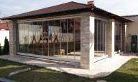 Inchideri terase si balcoane compartimentari din sticla Peretii mobili din sticla formati din mai multe panouri